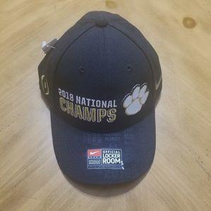 2018 Clemson national championship hat.